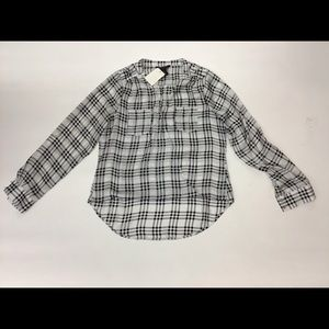 White House Black Market Plaid VNeck Top Size S